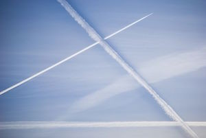 condensation-trails-931834__480