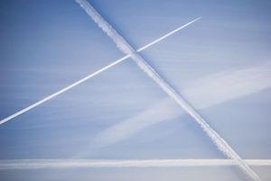 condensation-trails-931834__480